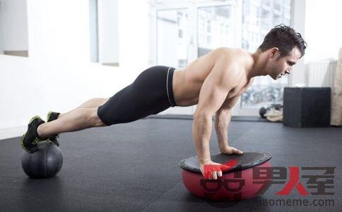 8种方法能够让男人快速练出腹肌