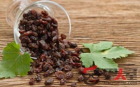 葡萄干的营养功效 吃葡萄干有什么好处 吃葡萄干之前要洗吗