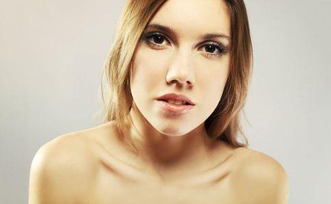 女人脸色发黄的原因有哪些呢 女人们该如何改善脸色发黄呢