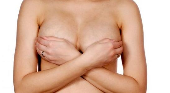 为什么会出现乳房胀痛?女性经期乳房胀痛该如何缓解