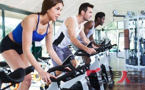 健身房运动注意事项:尽量选择白天健身